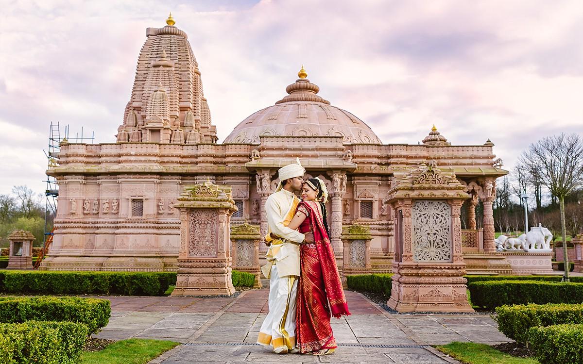 Vaheesan & Gerubaleny . Oshwal Centre Tamil Hindu Wedding